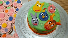 Backyardigans Cake and Cupcakes (CAKE Amsterdam - Cakes by ZOBOT) Tags: birthday wedding party feest cakes dutch utrecht verjaardag marzipan specialty fondant backyardigans taart taarten bruidstaart sweetthings zoegottehrer