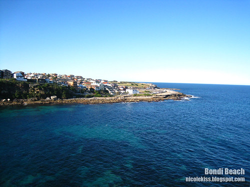 bondi beach scene wallpaper