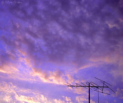 Conexión. (Felipe Smides) Tags: chile life sky naturaleza art love clouds arte natural weekend amor natura vida cielo nubes antena friday felipe espacial espacio findesemana viernes vivir artisticexpression conexión desahogo instantfave mywinners abigfave aplusphoto beatifulcapture artlegacy smides fotografiasmides funfanphotos felipesmides