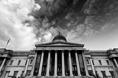 National Gallery (Philipp Klinger Photography) Tags: uk windows england sky bw white black building london window lines architecture clouds stairs facade painting square nikon gallery angle britain flag united great wide perspective entrance trafalgar kingdom national dome gb pillars philipp cpl klinger flickrsbest abigfave d700