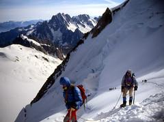 Cordées au Mont-Blanc du Tacul (Yvan LEMEUR) Tags: mountain montagne alpes glacier neige chamonix montblanc glace alpinisme montblancdutacul hautesavoie tacul cordée hautemontagne
