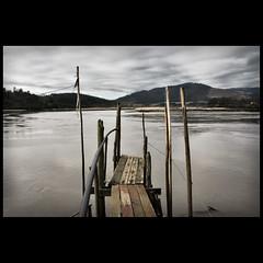 Saltamos? (Bous Castela) Tags: canon asturias maderas pantalan milde nalon sotodelbarco canoneos1000d bouscastela