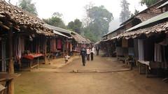3 หมู่บ้านกะเหรี่ยงคอยาว บ้านห้วยเสือเฒ่า ยามเช้าอันเงียบสงบ