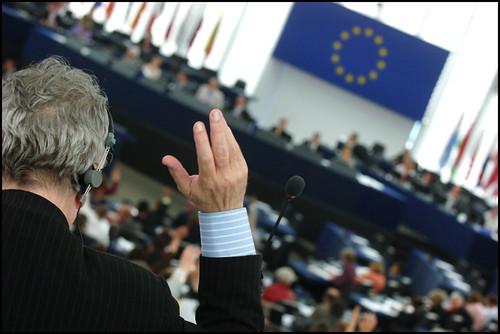 Votando en una sesión del Europarlamento