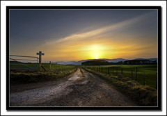 Drumashie Farm road (Craig Robertson) Tags: road sunset landscape scotland highlands farm explore greatglen drumashie invereness
