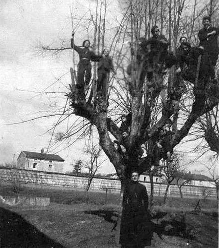 Internat. 1946