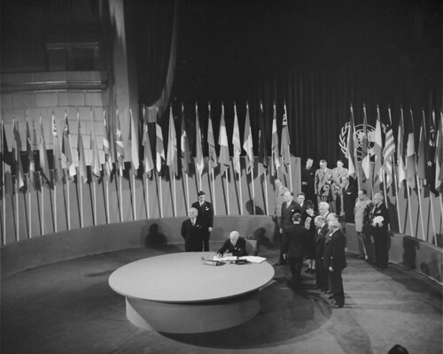 The San Francisco Conference: The United States Signs United   Nations Charter por United Nations Photo.