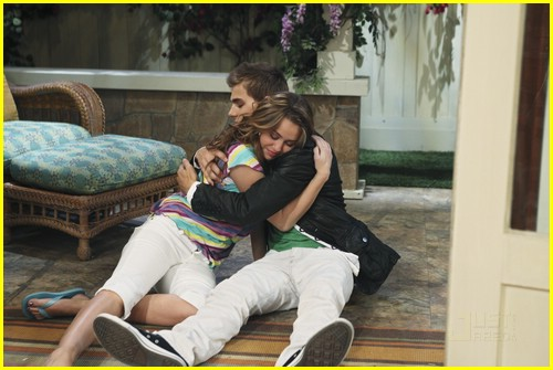 miley-cyrus-cody-linley-one-03