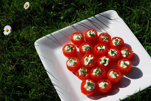 Tomato & goat cheese canapes