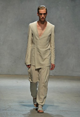 Paul Boche340_SS10 Paris_Damir Doma(WWD)