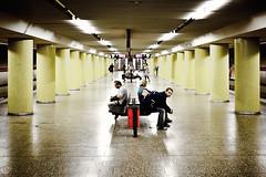 afterhour (Herr Bastian) Tags: canon underground subway munich mnchen point eos 50mm waiting metro mark 14 perspective symmetry minimal ubahn electro 5d vanishing perspektive symmetrie fluchtpunk 5dmarkii