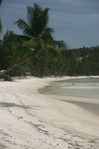 Empty beach at Haad Salad, Ko Pha Ngan