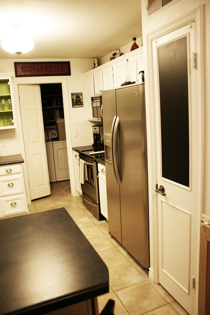 The world 39 s best photos of 6000 and small flickr hive mind for 10x11 kitchen designs