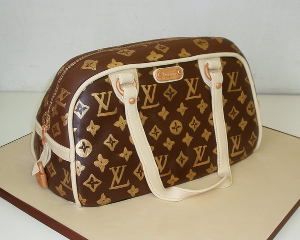 20_Louis_Vuitton_Hand_bag_cake_by_Dragonsanddaffodils