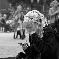 Regard en coin (Cyber Phil en voyage) Tags: people liège portraitvolé cyberphil