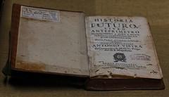 Sua Majestade ... O livro! (joao barroca) Tags: 85mm clubefotorio realgabinetedeleitura markiii1ds