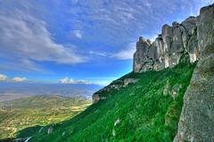 Montserrat Rocks (HDR) (Omar Corrales) Tags: mountains green rock clouds rocks bluesky montserrat hdr highdynamicrange roca muntanya 1022 montaas muntanyes canon1022mm tonemapped canoneosdigitalrebelxti canoneos400ddigital canon1022mmf3545efsusm omarcorrales calcrias