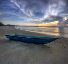 The Blue Boat (vedd) Tags: beach sunrise canon eos boat malaysia 1022mm hdr pahang cherating beserah 9xp 400d vertorama vedd