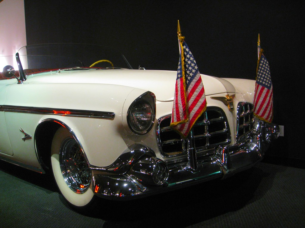 Chrysler Imperial Parade Phaeton (1952 - 1956)