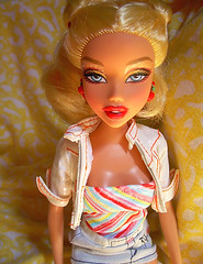 Dare Dolly: Kennedy Yellow (Dare Darlington) Tags: doll barbie retro denim haltertop hotday denimskirt dollphotography cherryearrings myscenebarbie cutejacket hairpulledup sparklyeyeshadow myscenekennedy