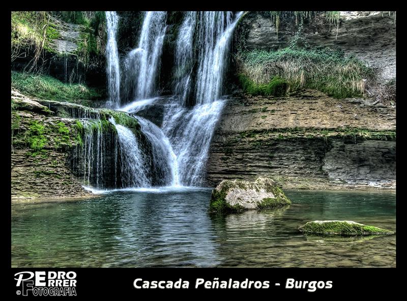 Cascada Peñaladros - Cozuela - Valle de Mena  - Burgos - primer plano