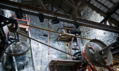 Belt Driven (Paul Sivyer) Tags: wales paul saw slate llanberis snowdonia quarry padarn llechi dinorwig slatemuseum padarncountrypark wildwales sivyer llanberis2009 amgueddfalechi
