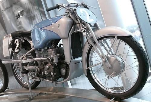DKW US 250 1939 vr por stkone.