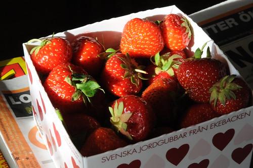 スウェーデン産苺とスウェーデンウオッカで作る苺酒