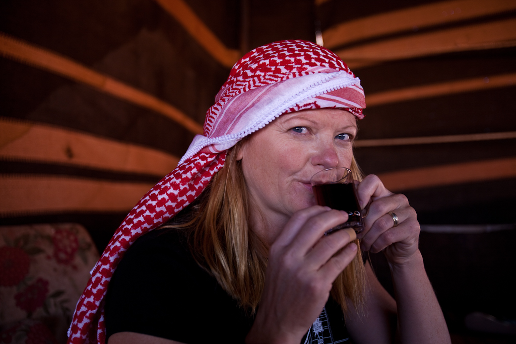 drinking tea in jordan
