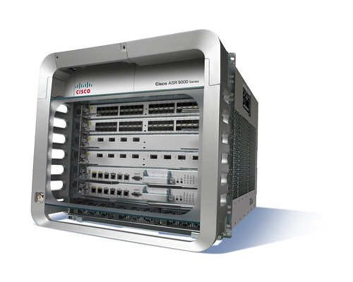 Cisco ASR 9006 (doors on)