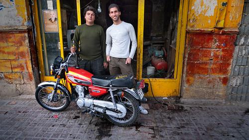 P1010406_shiraz_motorbikeGuys