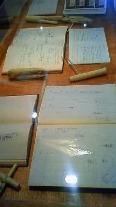 テオヤンセン直筆のメモ帳、設計