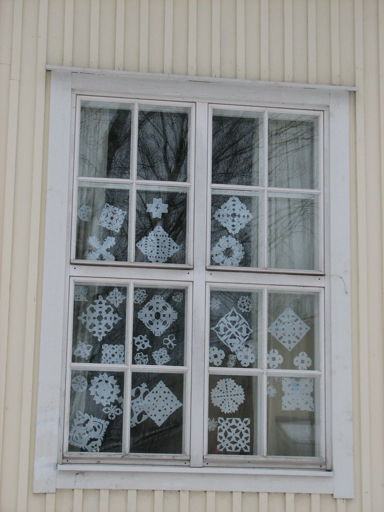 koulun ikkuna - school window