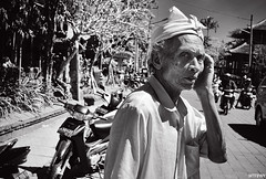 Why did the chicken cross the road? (PeinLee) Tags: leica portrait blackandwhite bali indonesia delete5 delete2 ditch market delete6 availablelight delete7 candid streetphotography photojournalism save3 delete3 save7 save8 delete delete4 save save2 save9 save4 m8 keep save5 save10 save6 ubud reportage savedbythedeletemeuncensoredgroup keep2 keep3 keep4 keep5 keep6 save11 keep7 keep8 keep9 keep10 ditch2 summarit3525
