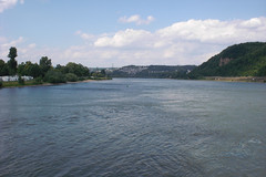 Mündung der Mosel in den Rhein (onnola) Tags: rhine rhein confluence koblenz mosel moselle rivermouth zusammenfluss deutscheseck mündung moselmündung