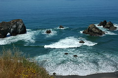 Rock arch, islets, double fan waves breaking in the beautiful turquoise Pacific Ocean, north of Fort Bragg, California, USA (Wonderlane) Tags: ocean california ca blue sea wild usa nature water beautiful rural fan waves natural pacific turquoise gorgeous double pacificocean coastal summertime simple breaking californiacoast islets rockarch 6145 bluepacificocean northoffortbragg wavesbreakinginthebeautifulturquoisepacificocean doublefanwavesbreakinginthebeautifulturquoisepacificocean
