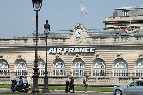 Air France Runs on Time