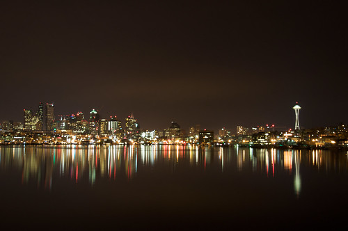 The Space Needle and City at Night by NONfinis.