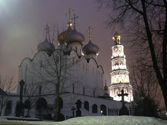 Novodevichy Monastery & Cemetery, Moscow -  ,  (Sir Francis Canker Photography ) Tags: christmas xmas trip travel tourism church architecture navidad arquitectura europe cross cathedral russia moscow catedral iglesia landmark visit noel icon tourist chiesa cruz basil onion visiting russian natale convent kerk architettura eglise mosca icono kremlin russie croix croce russo russa rusia moscou cattedrale cipolla lucena  ruso basile moscu  esglesia basilio arenzano  rusa rossija kremlino mockba bogoroditsesmolensky  brusasco ured poccnr sirfranciscankerjones novodevichye    kladbishche    pacocabezalopez