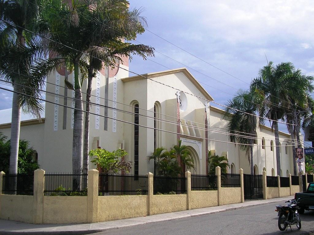 Resultado de imagen para iglesia catolica barahona