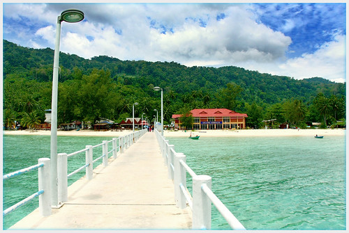 Tioman from Salang Jetty (by αгυρ / অরূপ)