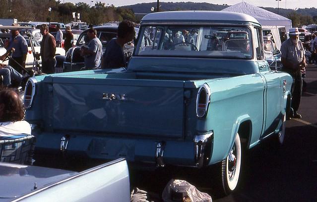 suburban pickup 1956 gmc hersheyfleamarket2001 1956gmcsuburbanpickup ©richardspiegelmancarphoto
