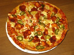 Fire Fighter's Buffalo Chicken Pizza (Mr. Ducke) Tags: pizza peppers spicy buffalochicken