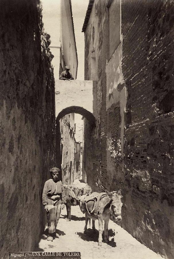 Aguador toledano en el siglo XIX. Foto Casiano Alguacil