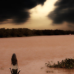 Anticipation (Claudio.Ar) Tags: light sunset sky woman santafe nature water argentina girl lady clouds photomanipulation river square sony chapeau sensational emoti
