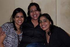 3 pretty girls (Ritesh Kapur) Tags: me july neha mumbai deepa 2009 ipsita sherepunjab july252009 khoobaishki