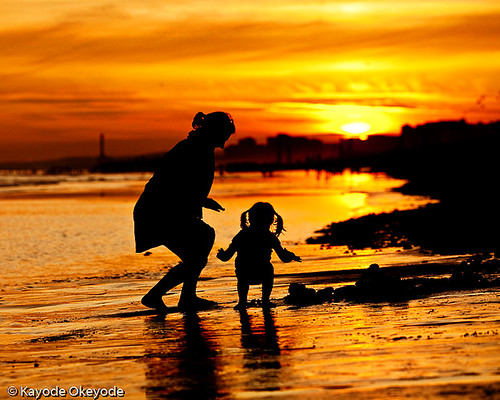 Brighton Sunset 2 (Mother and Daughter)