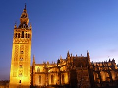 Seville Cathedral & Giralda - Giralda y Catedral de Sevilla (Sir Francis Canker Photography ©) Tags: blue sunset españa tourism azul twilight sevilla spain long exposure cathedral dusk capital catedral landmark visit icon seville andalucia unesco hour hora stunning vista nocturna andalusia andalusien espagne giralda spanien spagna anochecer exposicion lucena andalusie 西班牙 siviglia スペイン alandalus الأندلس catedrale اسبانيا испания セビリア アンダルシア 세비야 塞维利亚 севилья андалусия 安达卢西亚 اشبيلية tz10 zs7