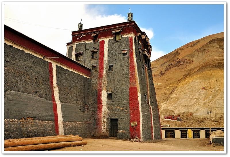 1薩迦寺外牆