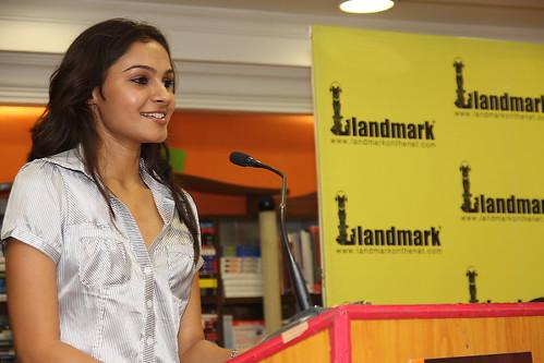 Andrea Jeremiah praises Ayurvedic cookbook
